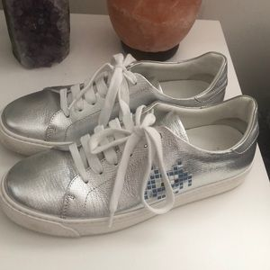 Anya Hindmarch Sneakers Silver Low top Sz: 37